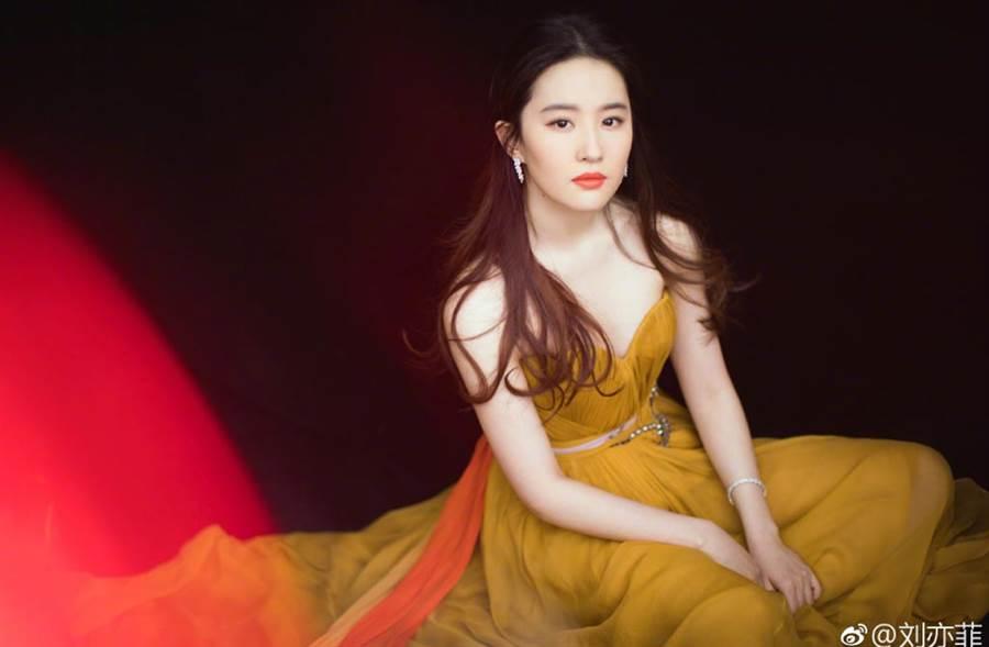 劉亦菲容貌古典絕美,有「仙女姐姐」美稱。(翻攝自劉亦菲工作室微博)