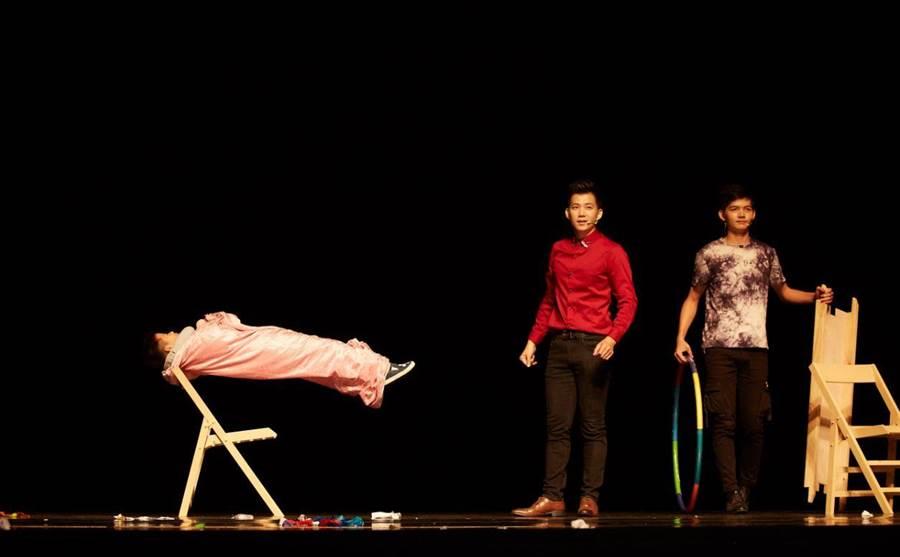 《牽手進劇場》 邀請8000位學童體驗劇場魔力,1日登場。(桃園市文化局提供/甘嘉雯桃園傳真)