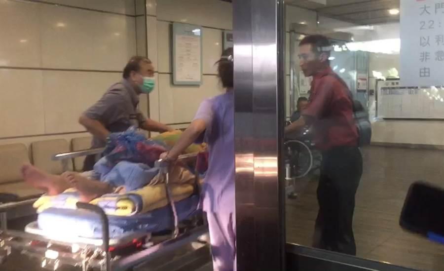 黎姓男海巡人員,因嗆傷被送至羅東博愛醫院。(翻攝照片)