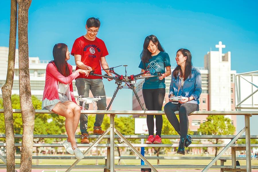 長榮大學領先全國,於2017年首創無人機應用學士學程,首批畢業生將於明年畢業。(本報系資料照)