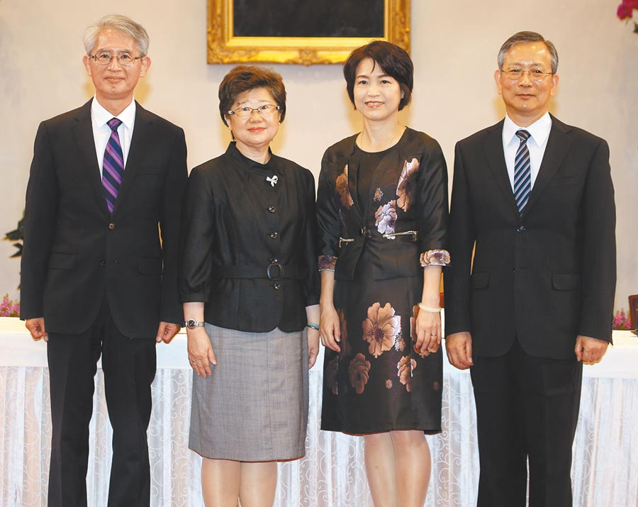 4位新任大法官今天上任,分別是謝銘洋(左起)、楊惠欽、蔡宗珍以及呂太郎。(本報資料照片)