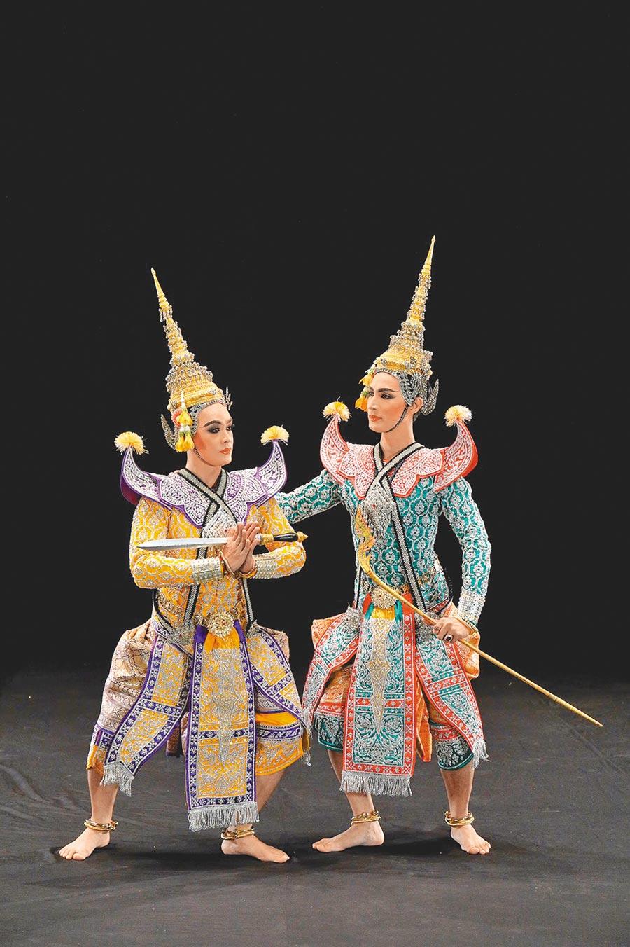 泰國傳統表演藝術「孔劇」為故宮南院「泰國月」打頭陣,精緻的服裝與特殊的肢體,搬演邪不勝正、具有警世意味的史詩故事。(Fine arts department of Thailand 提供/李欣恬台北傳真)