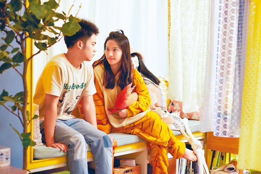 蔡瑞雪(右)坦言入戲深,差點愛上李淳。(威視提供)