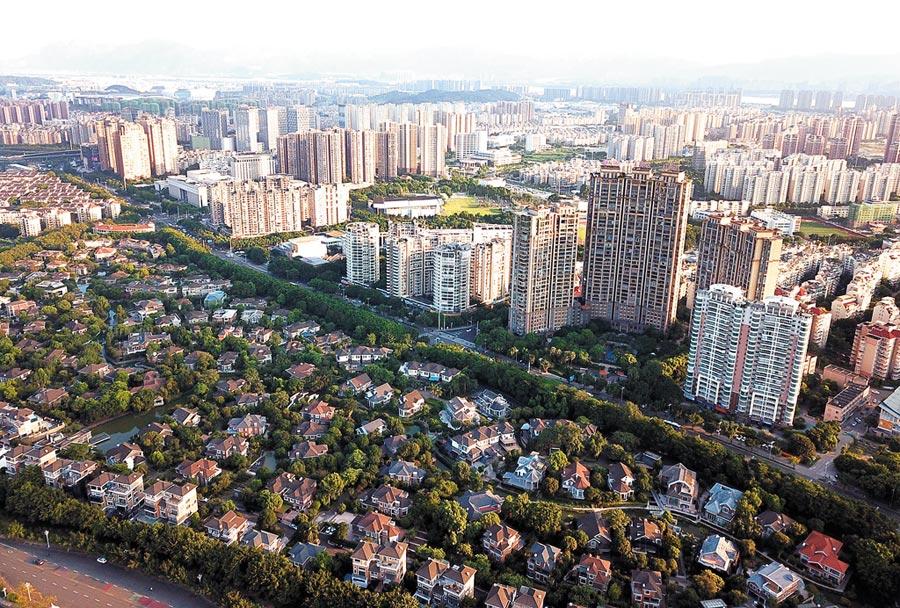 大陸房貸利率政策調整。圖為福州江濱樓盤。(中新社資料照片)