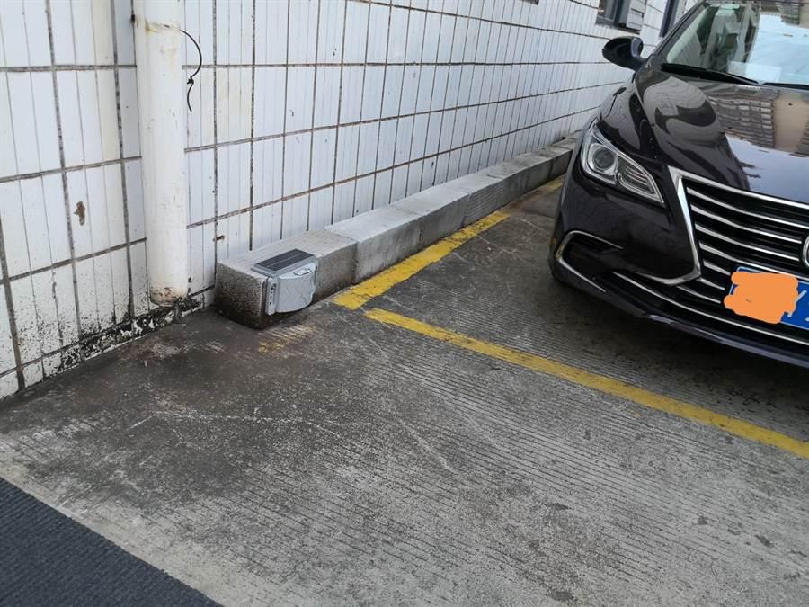 台商研發自動扣款停車費系統,盼引進台灣。(照片/翻攝)