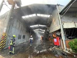 鐵皮工廠奪兩消防員命 中市府:整棟是大違建