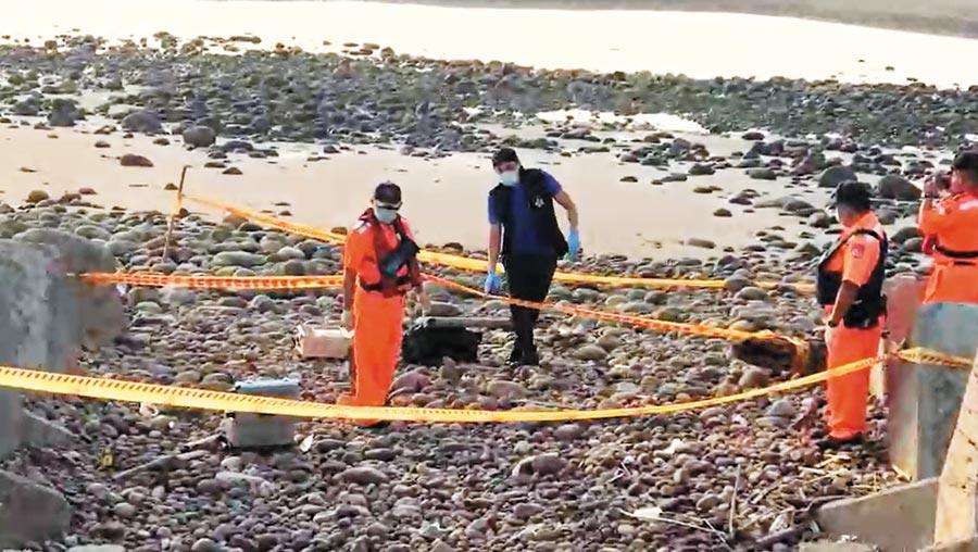 苗栗通霄白沙屯漁港南方海堤遭漁民發現有1名女屍,事發原因仍需調查。(翻攝照片/巫靜婷苗栗傳真)