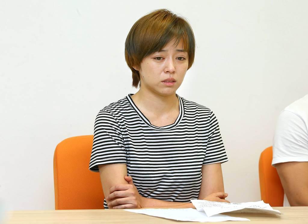 王瞳昨頂素顏、憔悴開記者會。(圖/本報系資料照片)