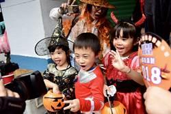 萬聖節將至!國慶週末來台北後站商圈變裝、搞怪看南瓜