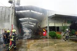 無人受困進火場 2消防員找起火點殉職