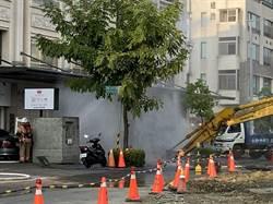 路面冒白煙!施工挖斷天然氣管線 台南永康區傳甲烷外洩