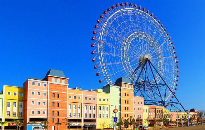 位在台中市的麗寶樂園擁有台灣最大摩天輪-天空之夢,是民眾選擇出遊渡假的好去處。(台中市觀旅局提供/盧金足台中傳真)