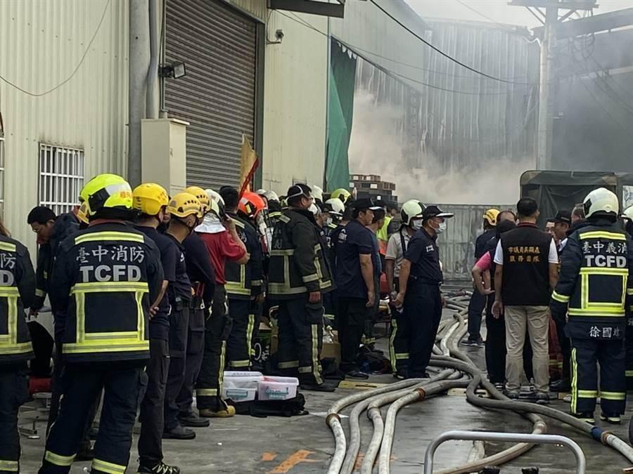 台中市2名消防隊員不幸罹難。(王文吉攝)