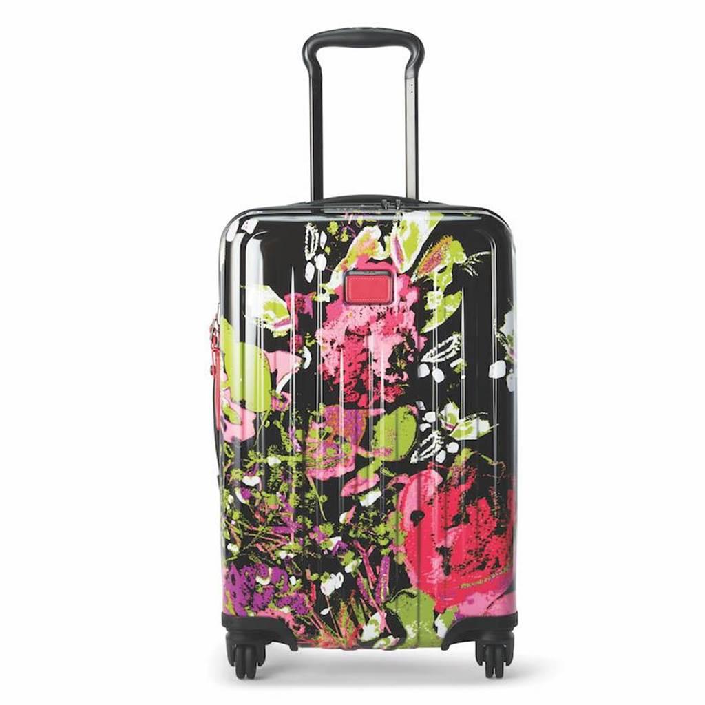 TUMI V4 20吋旅行箱(黑色印花),2萬4300元。(TUMI提供)