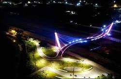 西湖溪景觀橋完工通行 光影投射點亮銅鑼夜晚
