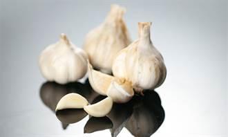 台大研究:每天吃1~3瓣生大蒜 能預防心血管疾病