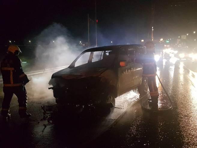 朴子消防分隊已於下午6點38分將火勢撲滅。(翻攝照片/張毓翎嘉義傳真)