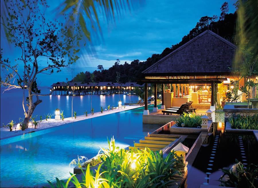 邦咯島(Pangkor Island)是馬來西亞人心中最美麗的島嶼,主打一島一飯店,綠中海度假村更是蜜月度假勝地。(馬來西亞觀光局提供)