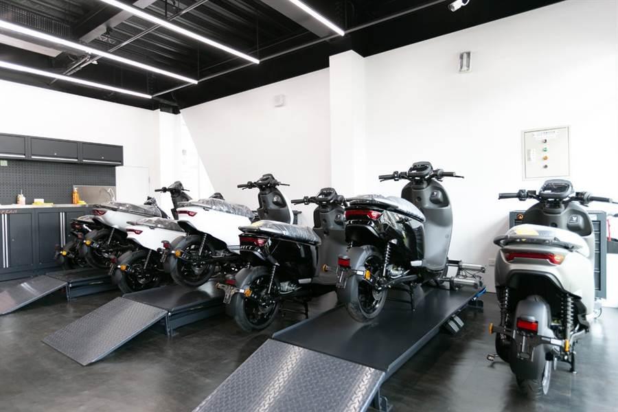 門室內規劃有乾淨舒適的維修空間,提供車主完善的售後服務。