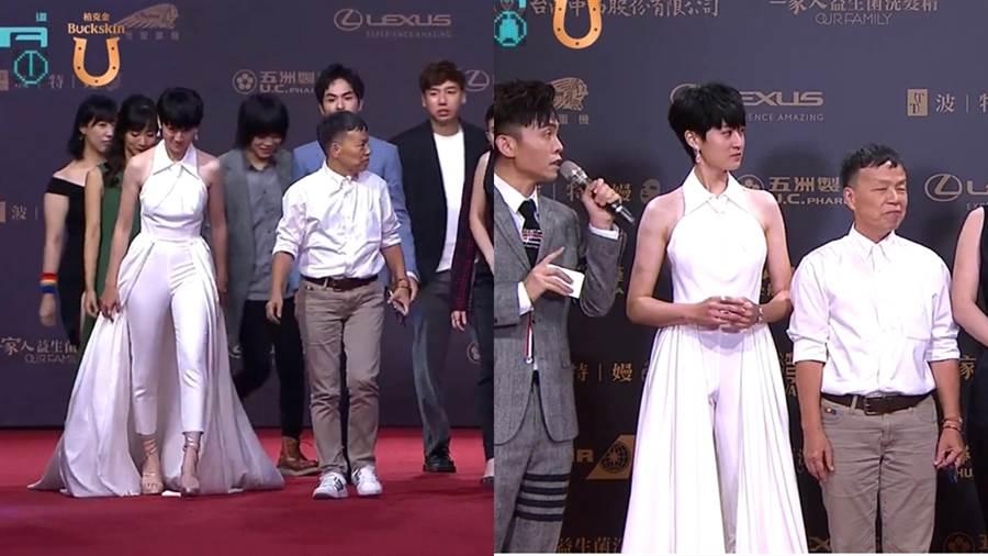 葉慈毓身著全白的長裙加褲裝。(圖/翻攝自金鐘54 Youtube)