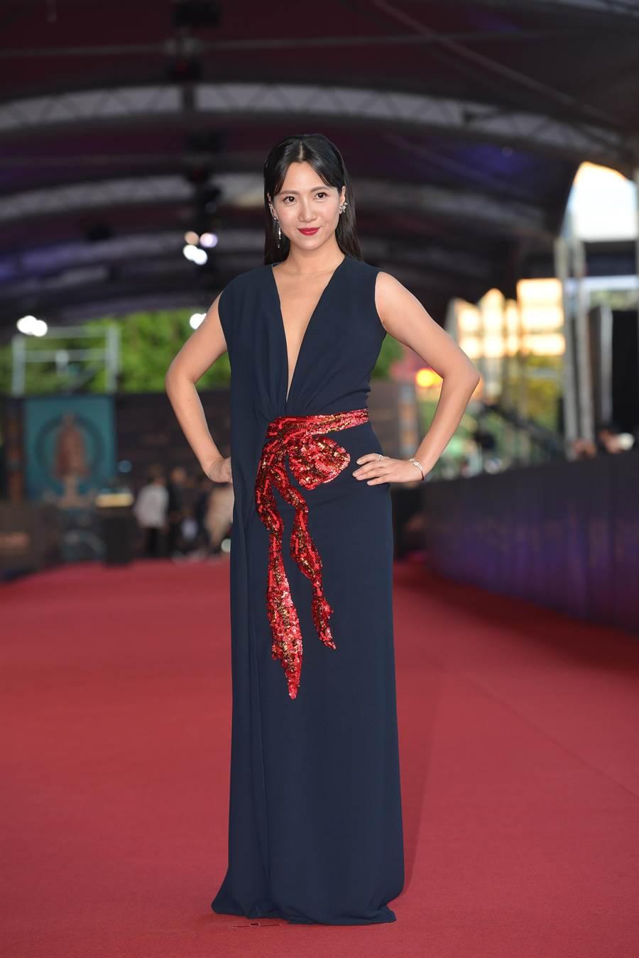 徐麗雯身穿西班牙Olimpia Sanchis黑色深V禮服,如希臘女神。(本報攝影組)