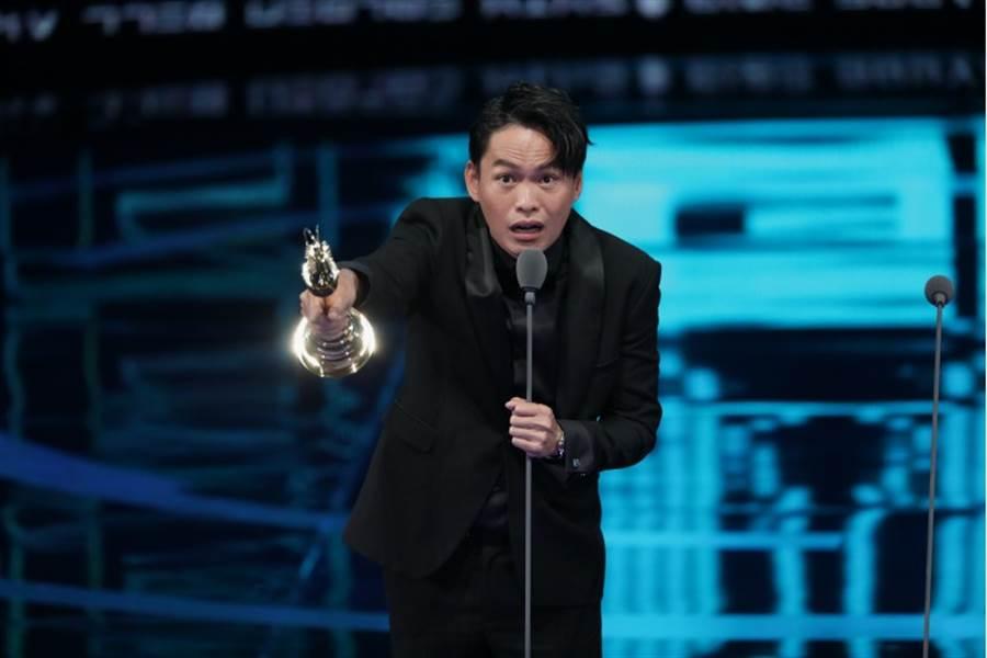 第54屆金鐘典禮,圖為迷你劇集(電視電影)男配角獎得獎者:黃鐙輝。(影視攝影組攝)