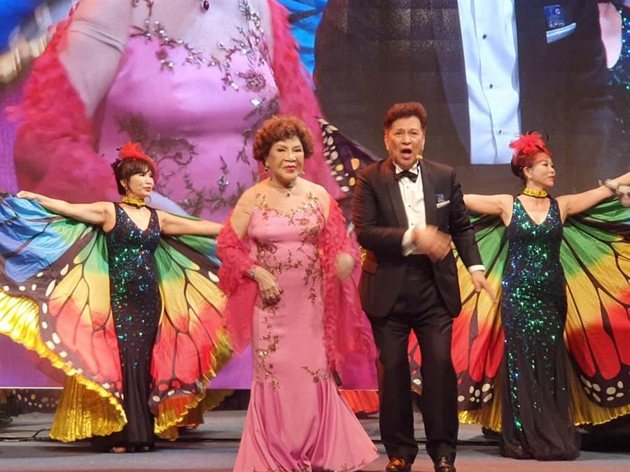 名製作周遊、導演李朝永獻唱《神鵰俠侶》。(照片/游定剛 拍攝)