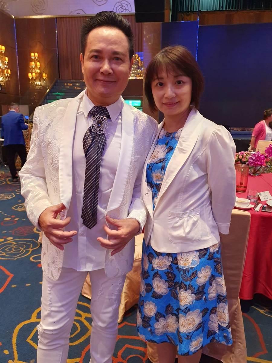 藝人孟飛與嫩妻一同受邀出席獅子會盛宴。(照片/游定剛 拍攝)