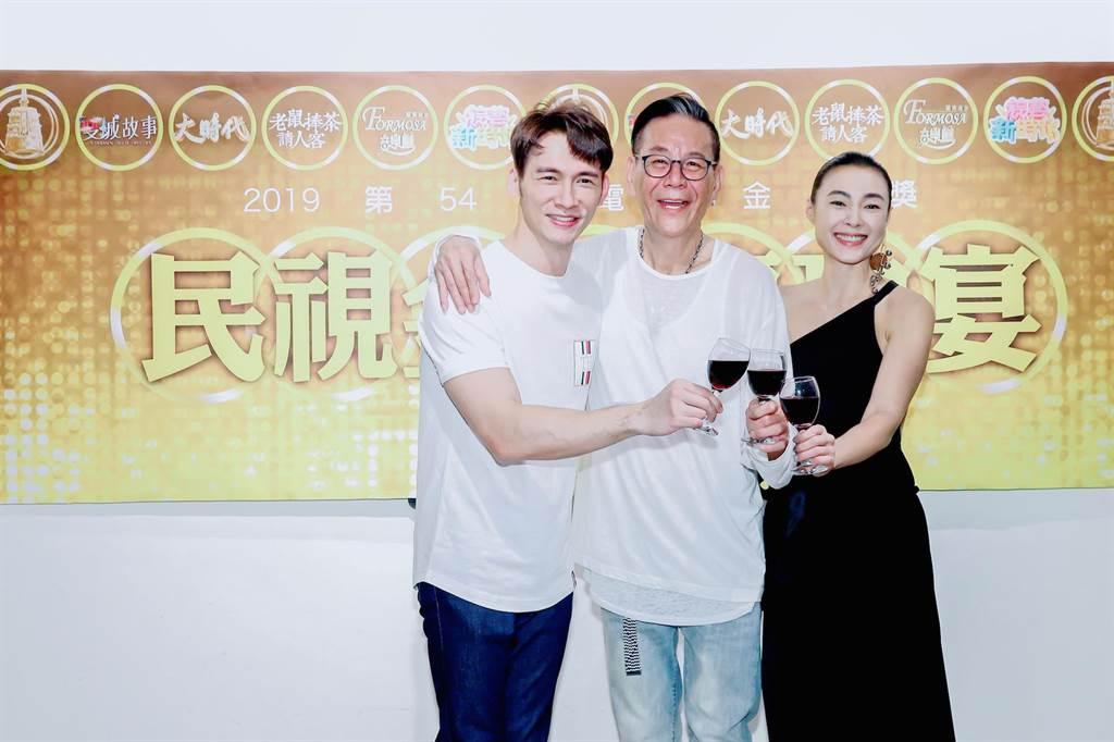 溫昇豪(左起)、龍劭華、曾珮瑜出席民視金鐘慶功宴。(羅永銘攝)