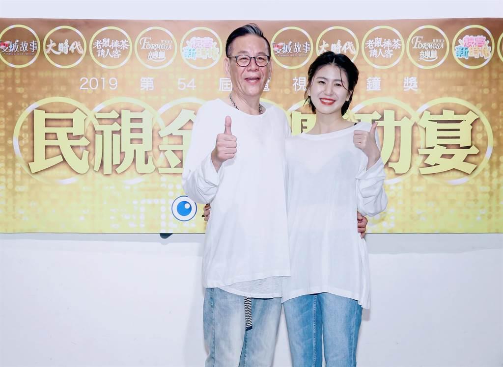 龍劭華帶女兒陳璇出席金鐘獎,樂誇女兒果然是他的幸運物。(羅永銘攝)