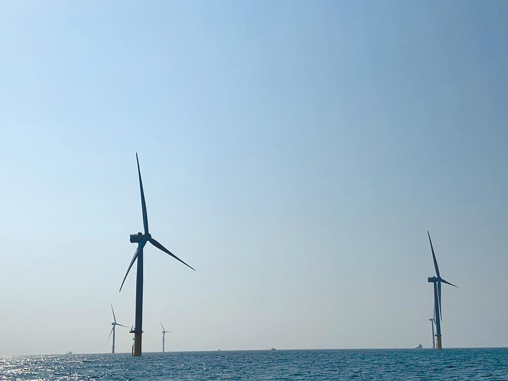 位於竹南外海的首座離岸風場10月中即可完工,11月初可全部發電。(王玉樹攝)