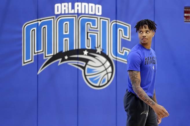 相隔快11個月,2017年狀元富爾茲總算重新回到NBA戰場。(美聯社)