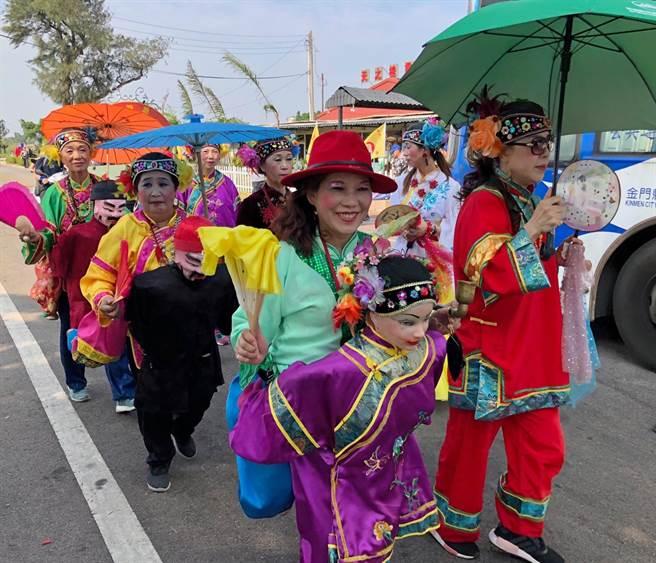 金門地方民俗陣頭參加一年一度的醮會活動。(李金生攝)