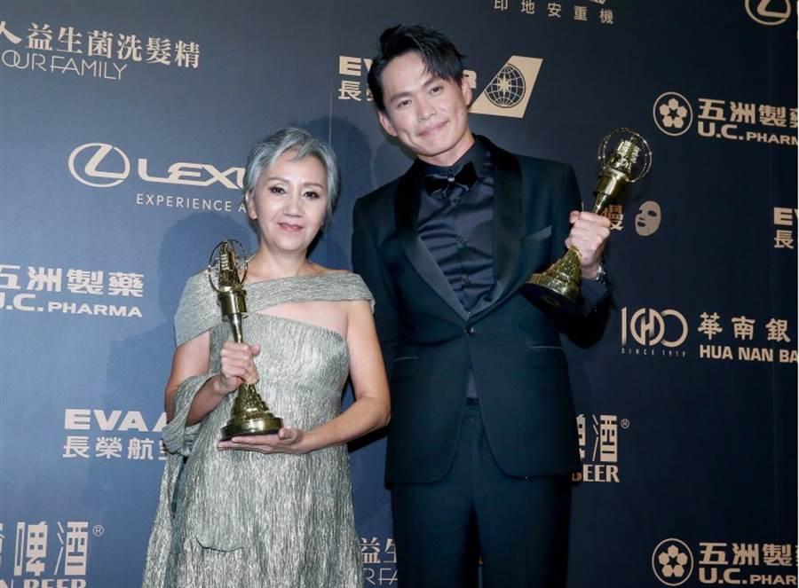 迷你劇集/電視電影男女配角由陸弈靜(左)、黃鐙輝(右)獲獎。(影視攝影組攝)
