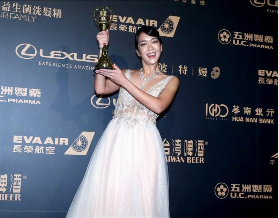 大霈(李霈瑜)以《水下三十米》獲得生活風格主持人獎。(影視攝影組攝)