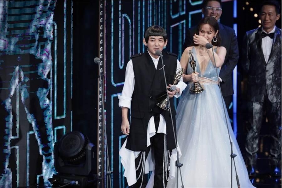黄子佼、吳姍儒以《一呼百應》奪下益智及實境節目主持人獎。(影視攝影組攝)