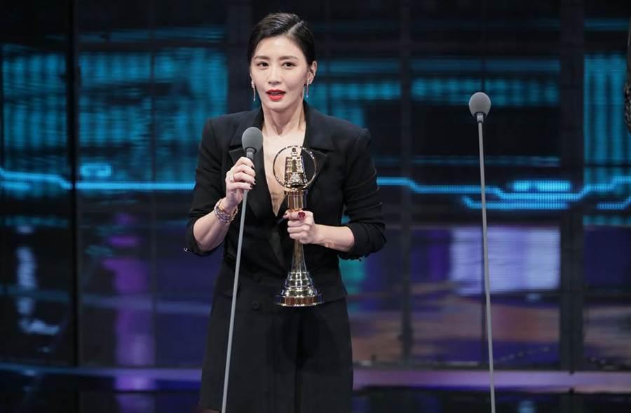 賈靜雯奪下金鐘54戲劇節目最佳女主角。(圖/影視攝影組攝)