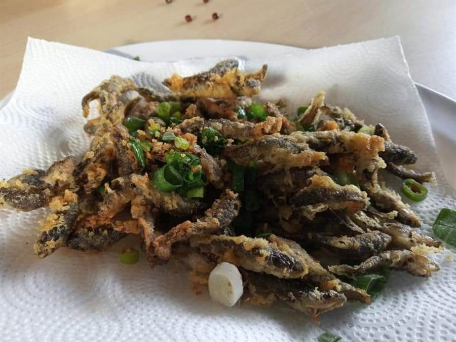 社區媽媽著手研究外來魚種菜單。(翻攝照片/楊漢聲台東傳真)