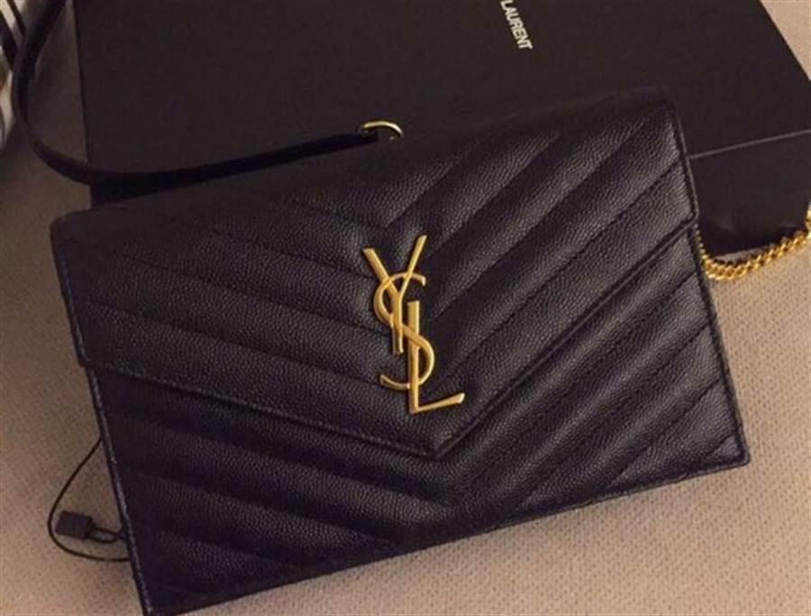 圖為原PO老公跟連千毅買的YSL包。(翻攝自 爆廢公社公開版)