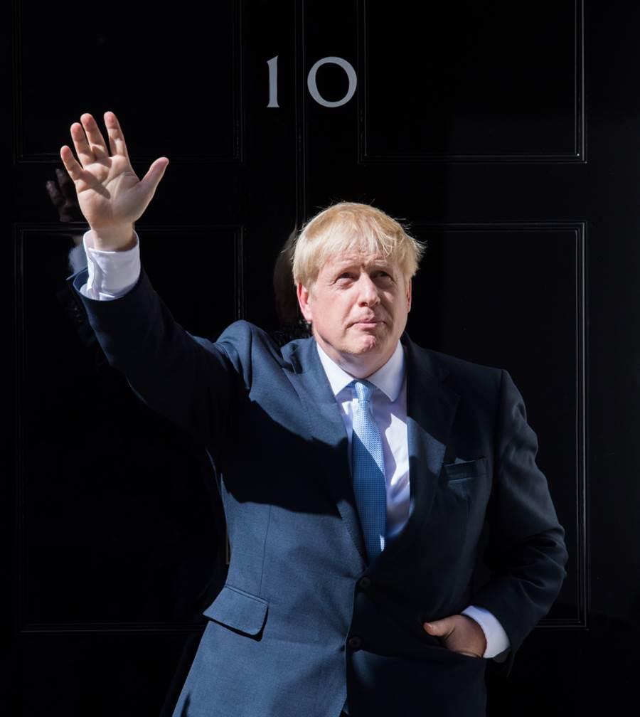 英首相強森堅不下台。(圖/Shutterstock)