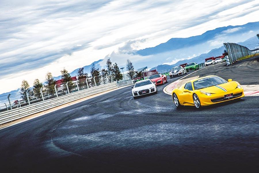 麗寶全賽道全長3.5公里也是全台唯一有高低差達五層樓高的賽道,賽道極富挑戰性,也是各式超跑、車商、車界名人渴望征服的新超跑天堂。圖/業者提供