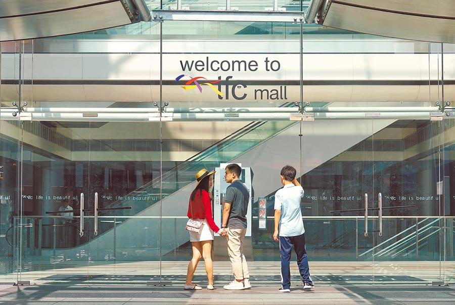 多家大型購物商場停業。(中新社)