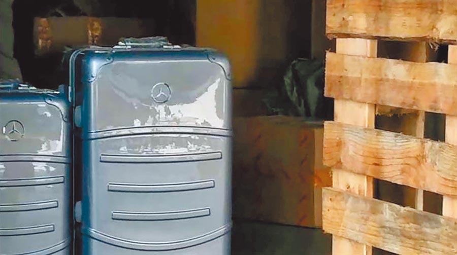 網紅直播主連千毅涉嫌販賣假的賓士行李箱,檢警將擴大追查流向。(本報資料照片)