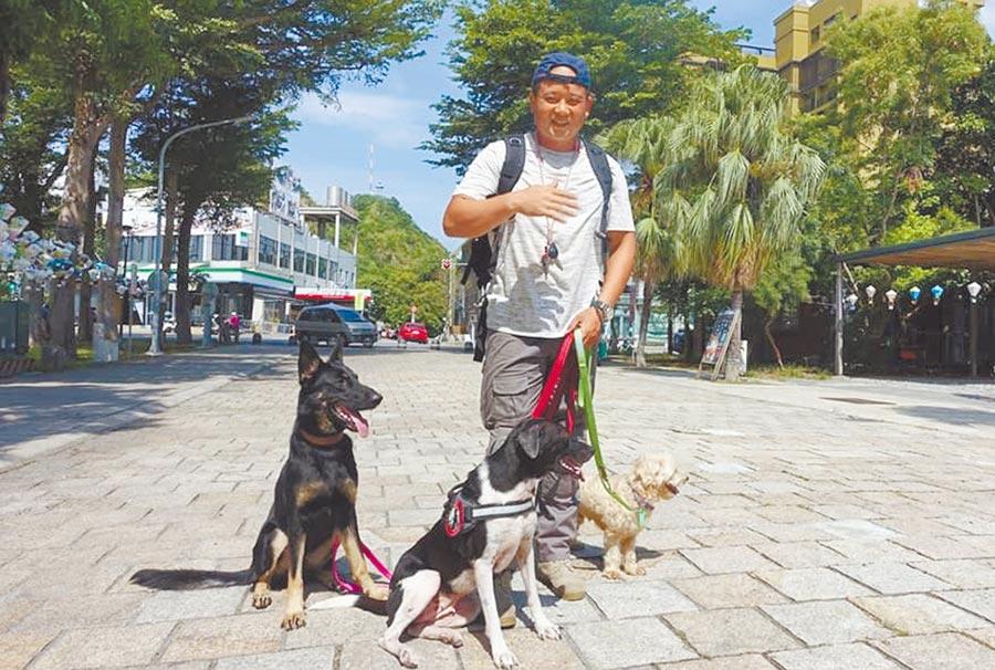 寵物訓練師林宥褕移居台東,要幫忙解決狗狗的疑難雜症。(楊漢聲攝)