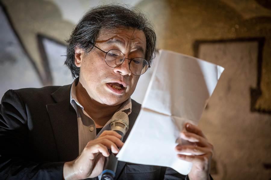 中央研究院台灣史研究所副研究員吳叡人推崇香港人三個月來爭取自由的努力和決心。(袁庭堯攝)