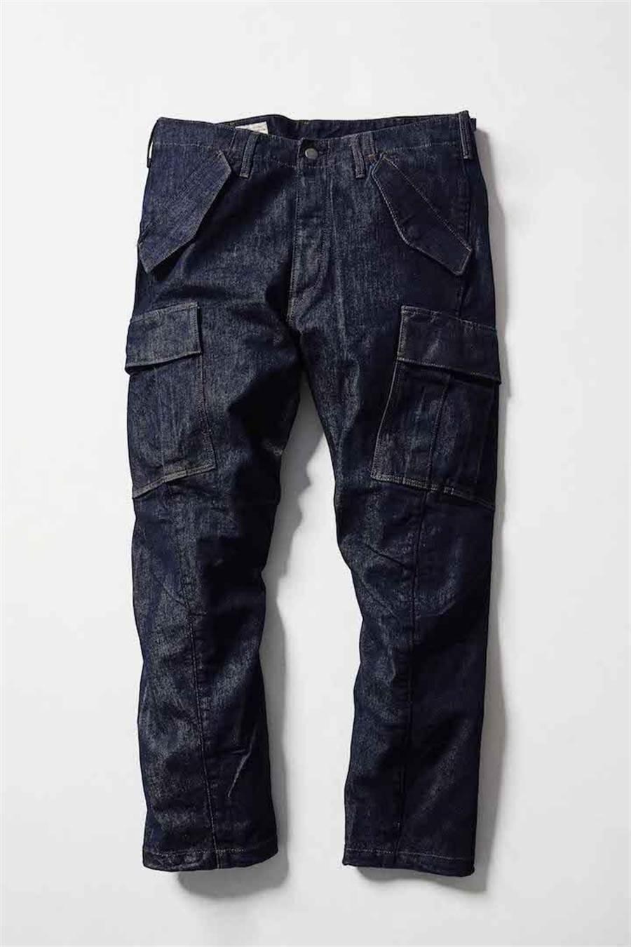 LEVI'S ENGINEERED JEANS 3D CARGO丹寧工裝褲,4390元。 (LEVI'S提供)
