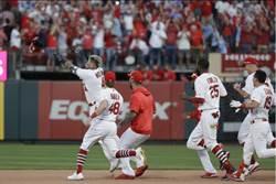 MLB》紅雀又逆轉!勇士被逼入生死戰