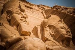 工人鑽井驚呆 挖到2千年法老古廟