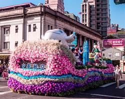 華航國慶花車亮相 60周年彩繪機當主角
