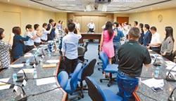 國民黨召22縣市主委誓師!吳下選戰動員令 讓韓成「九五之尊」